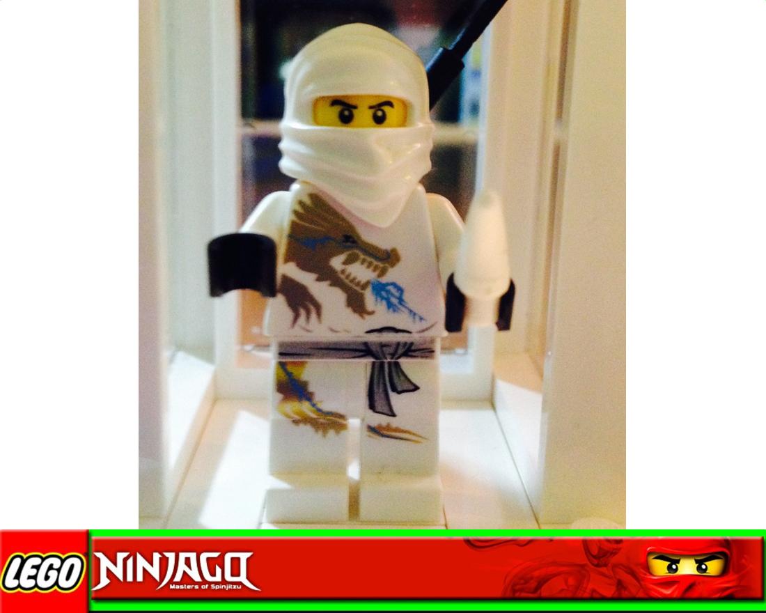 lego ninjago figur zane ninja des eises dx version aus 2260 mit dragon element. Black Bedroom Furniture Sets. Home Design Ideas